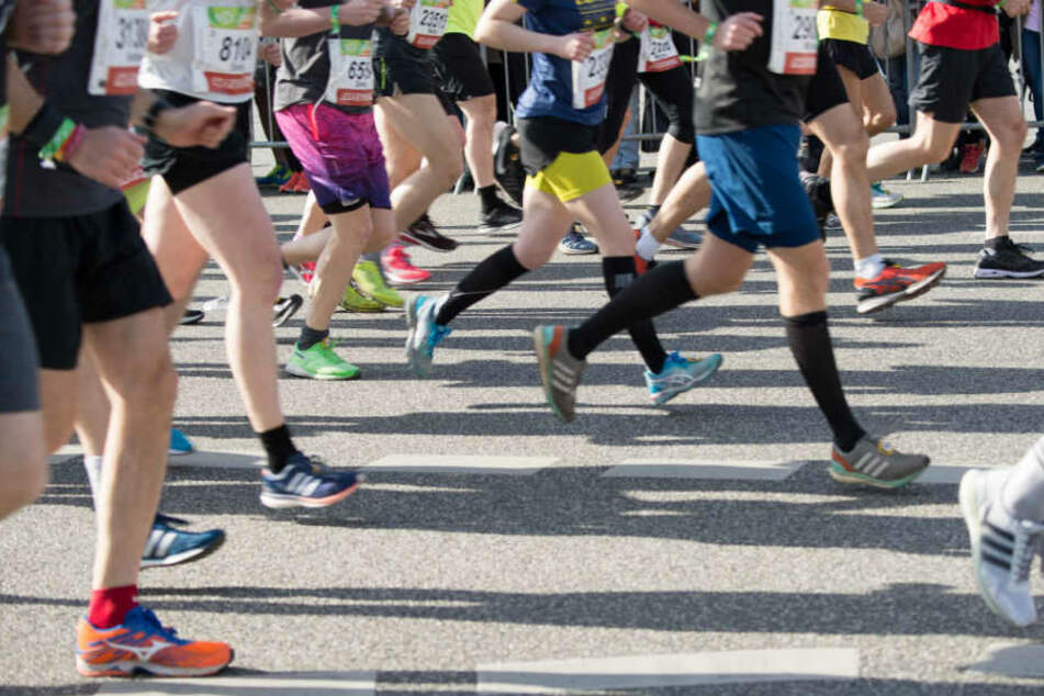 Am Sonntag laufen viele Sportbegeisterte durch die Straßen von Steglitz. (Symbolbild)