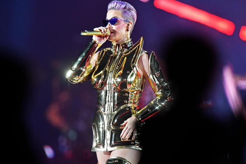 Katy Perry zeigt sich bei Konzerten nicht ganz so nackt.