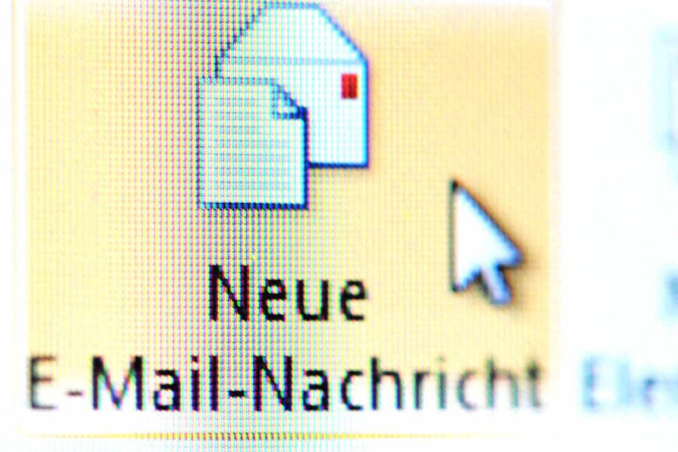 Eine E-Mail-Nachricht ließ eine Lehrerin und ihren Schüler auffliegen.