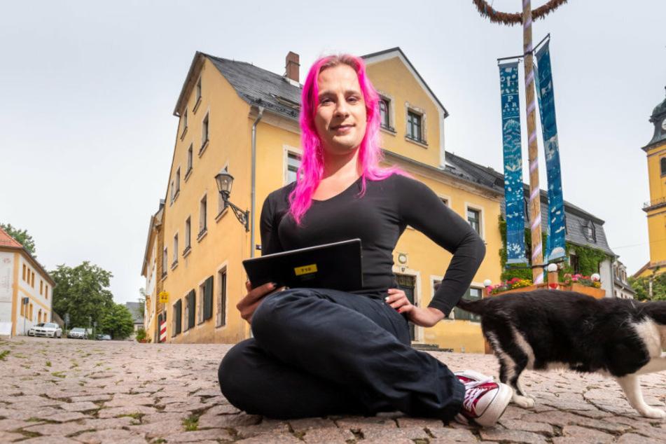 """""""Ein Alien in der Kleinstadt"""" digitalisiert Augustusburg"""