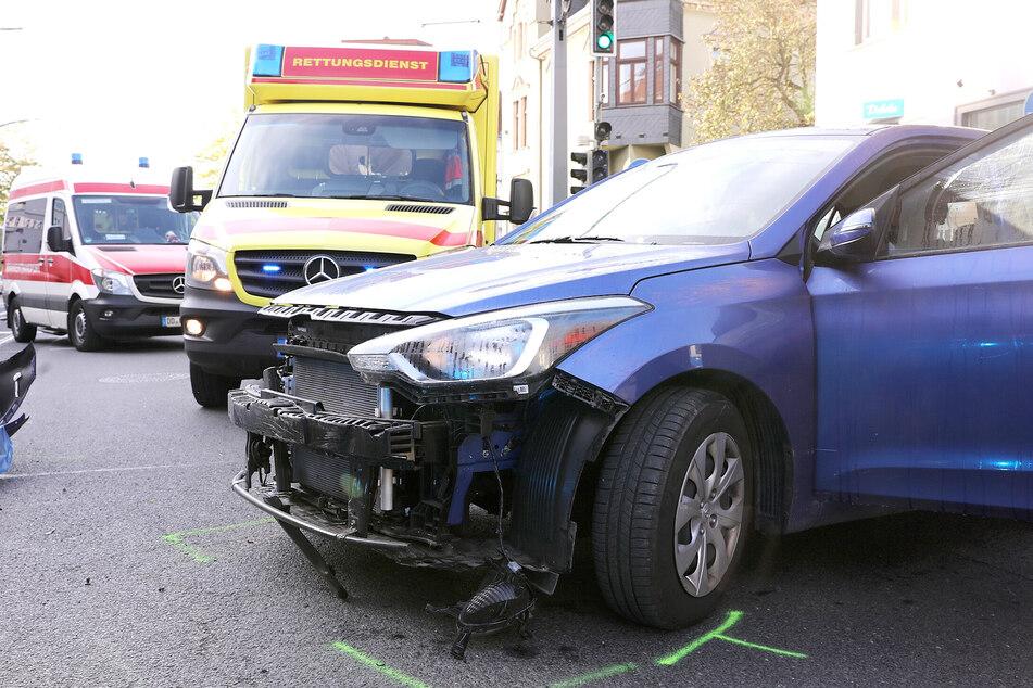 Die Frontschürze des Hyundais wurde beim Unfall abgerissen.