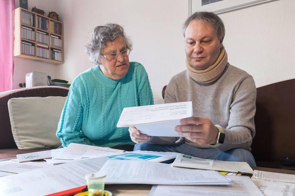 Von den Behörden in Stich gelassen: Mutter Margot Baldauf (68) hilft ihrem Sohn täglich.