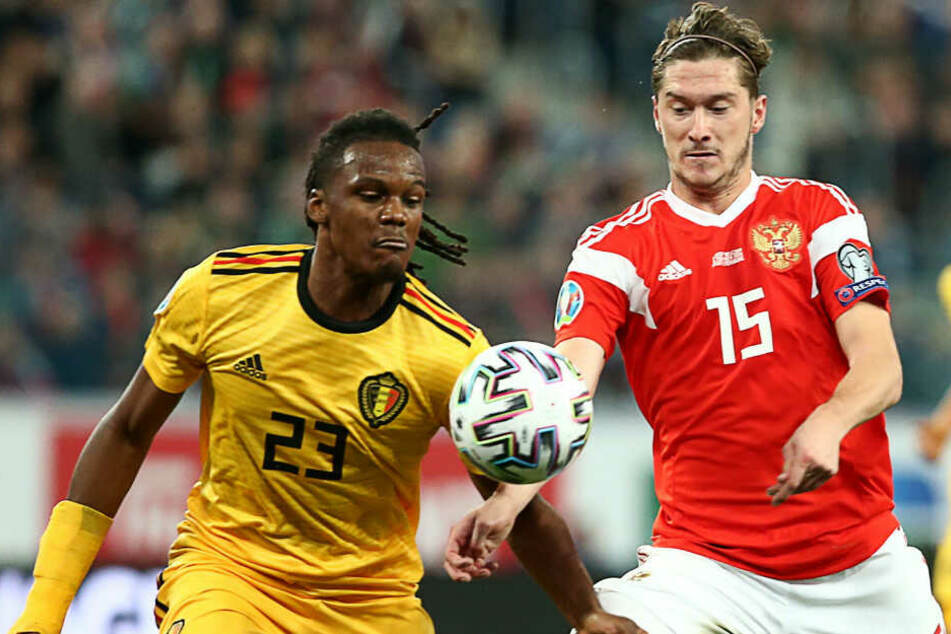 Hertha-Profi Dedryck Boyata spielte in der zweiten Halbzeit im falschen Trikot. Die 23 gehört eigentlich Michy Batshuayi.