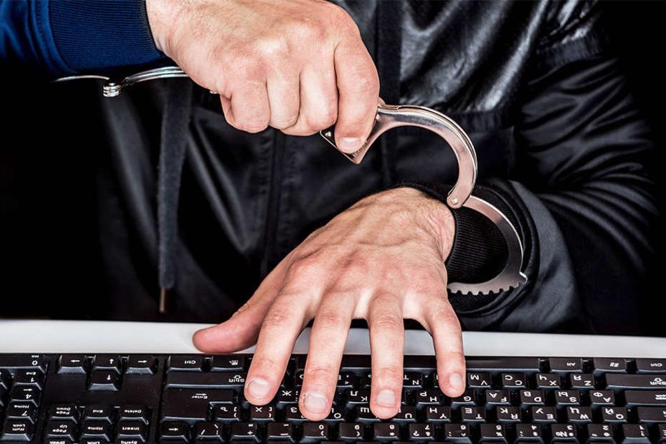 Verfassern von Hass-Parolen im Internet drohen bis zu 5 Jahre Haft. (Symbolbild)