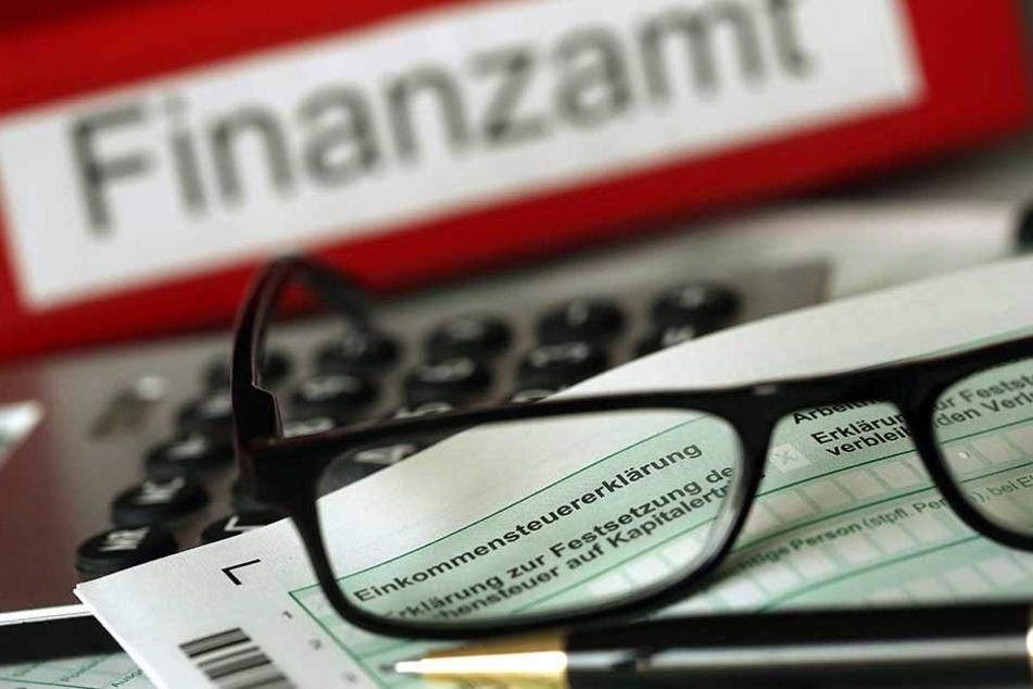 In dem Finanzamt werden die Steuern von mehr als 200.000 Bürgern bearbeitet.