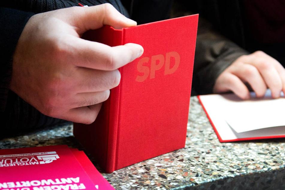 Nicht jeder kriegt das rote Parteibuch der SPD.
