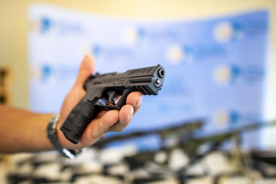 Die Polizei fand die Pistolen.