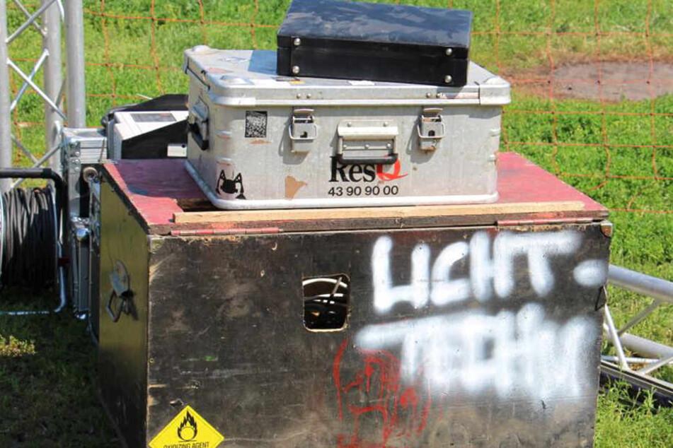 Diverse Lichttechnik, die keinem Besitzer zugeordnet werden kann.