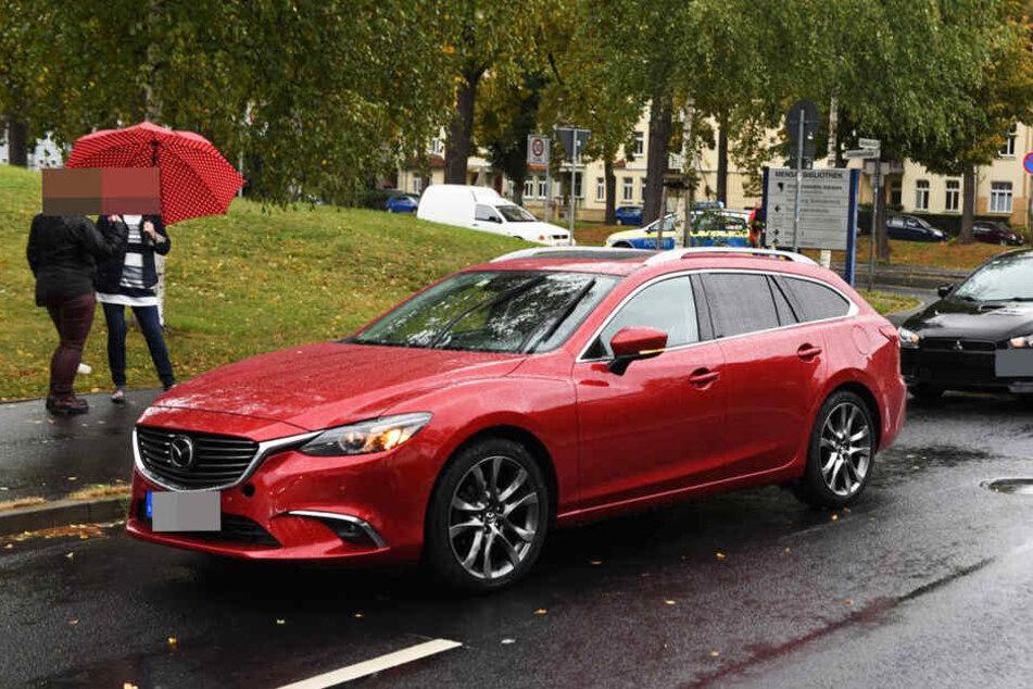 Am Mazda entstand Sachschaden in Höhe von 2.000 Euro.