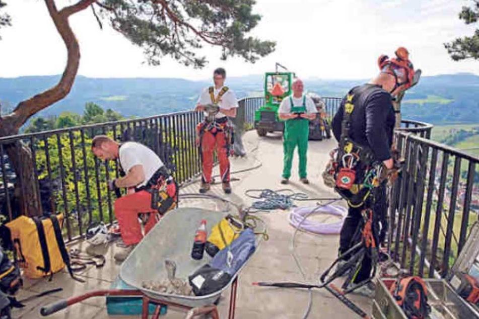 Im Juni hatten Kletterer erste Risse zugefugt und Felsproben genommen, die nun ausgewertet sind.