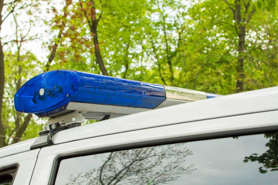 Der Taxigast wollte sich an einer Unfallstelle in Sicherheit bringen. (Symbolbild)
