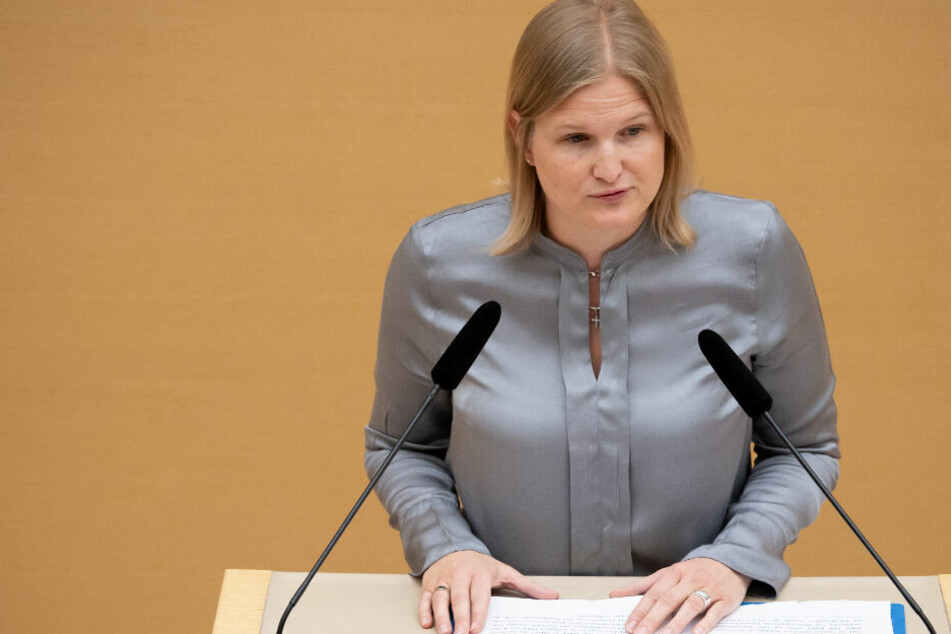 Der Streit in der AfD-Landtagsfraktion eskaliert: Katrin Ebner-Steiner steht im Fokus.