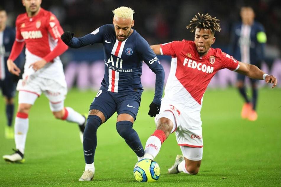 Benjamin Henrichs (r., neben PSG-Star Neymar) wird im Winter nicht zu RB Leipzig wechseln.