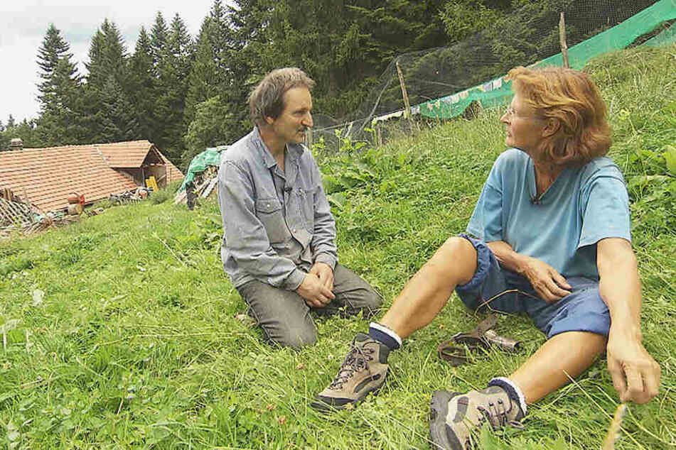 André (59) gestand Marlies (58) seine Liebe. Doch dem Glück steht noch etwas im Weg.