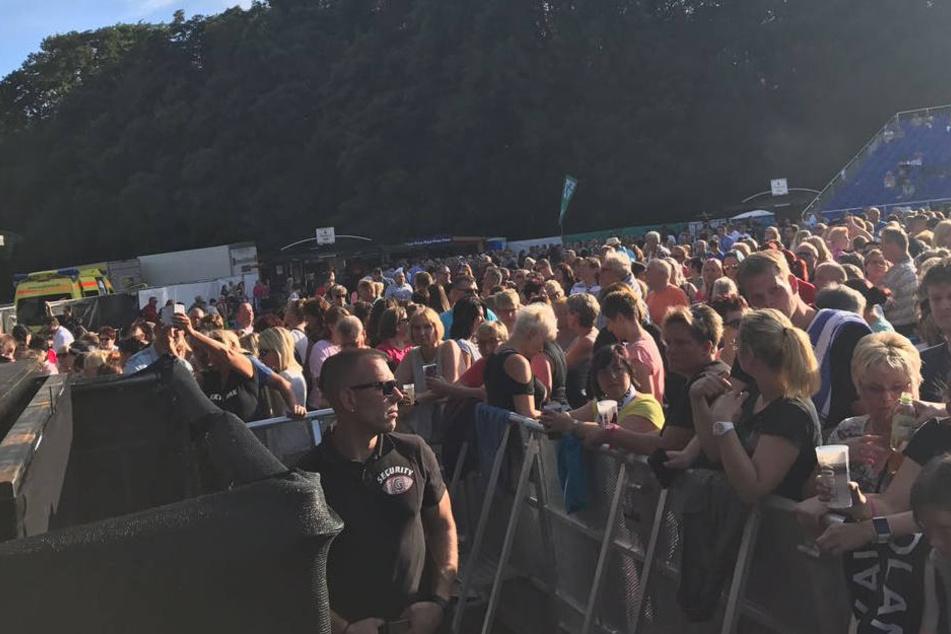 Bis zu 12.000 Fans passen auf den Festplatz.