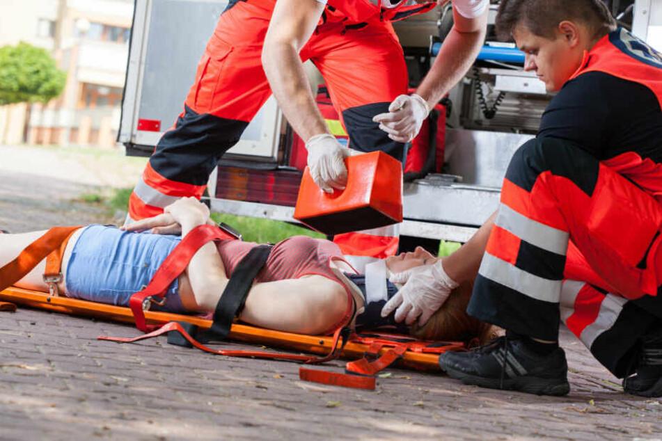 Horror-Unfall: Frau (18) meterweit durch die Luft geschleudert