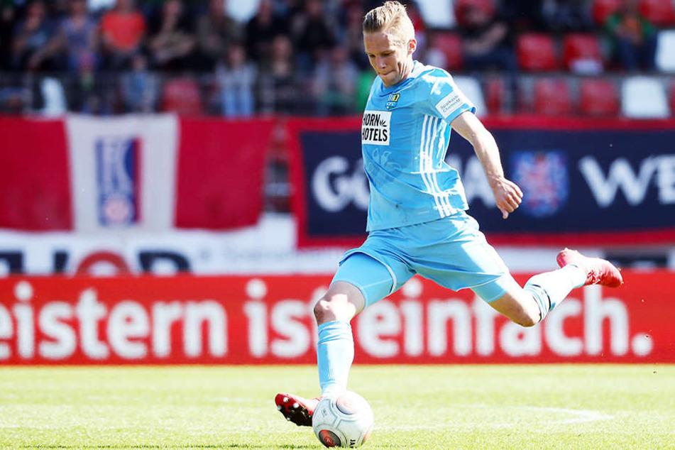 Dennis Grote ist der einzige CFC-Kicker aus dem aktuellen Kader, der beim 5:0 am 8. April in Erfurt auf dem Platz stand. Torjäger Daniel Frahn saß damals seine Spielsperre ab.