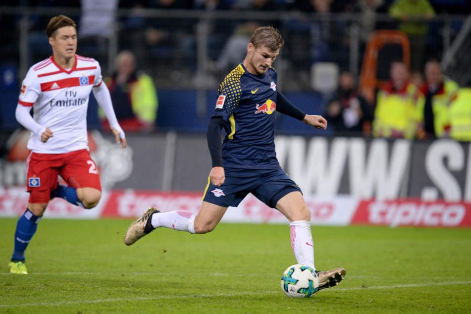 Rakete Timo Werner zündete nach Traumpass von Kevin Kampl den Turbo, ließ zwei HSV-Verteidiger zurück und traf trocken zum 2:0-Endstand.