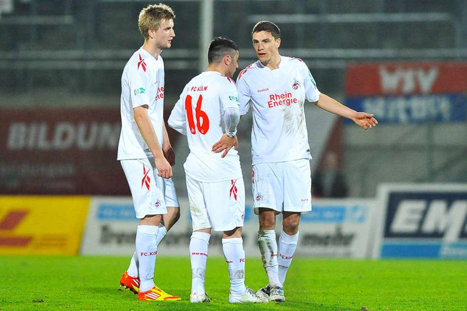 Alte Bekannte: Aias Aosman (M.) und Jonas Hector (r.) kennen sich noch aus gemeinsamer Zeit in Köln. Zusammen kickten sie mit Kacper Przybylko.