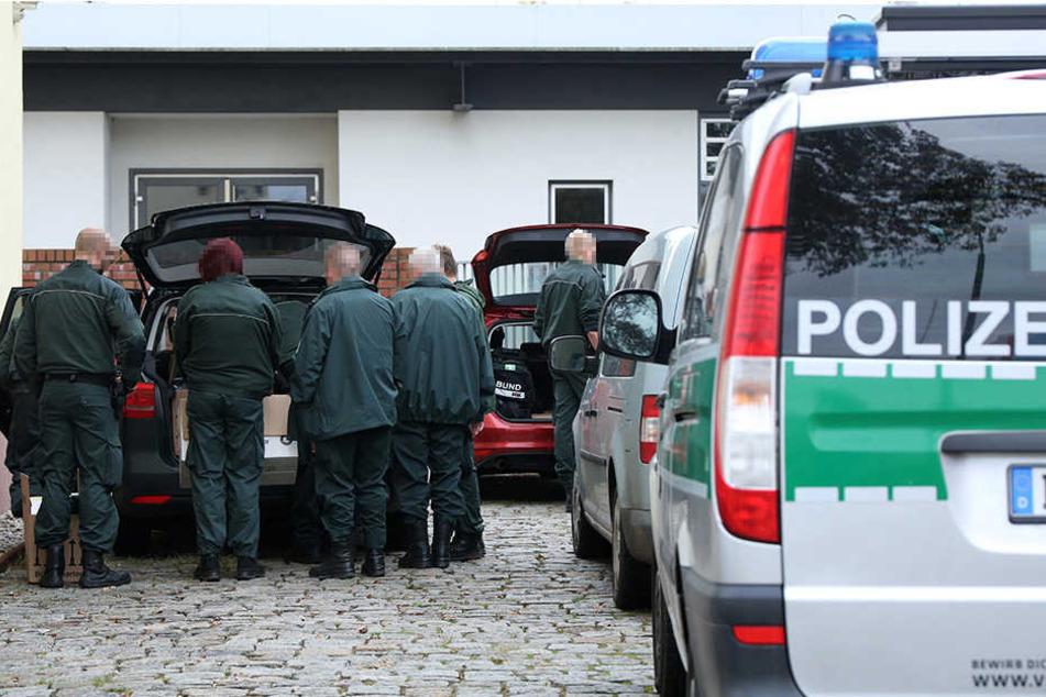 Groß-Razzia in Dresden: Polizei durchsucht mehrere Gebäude