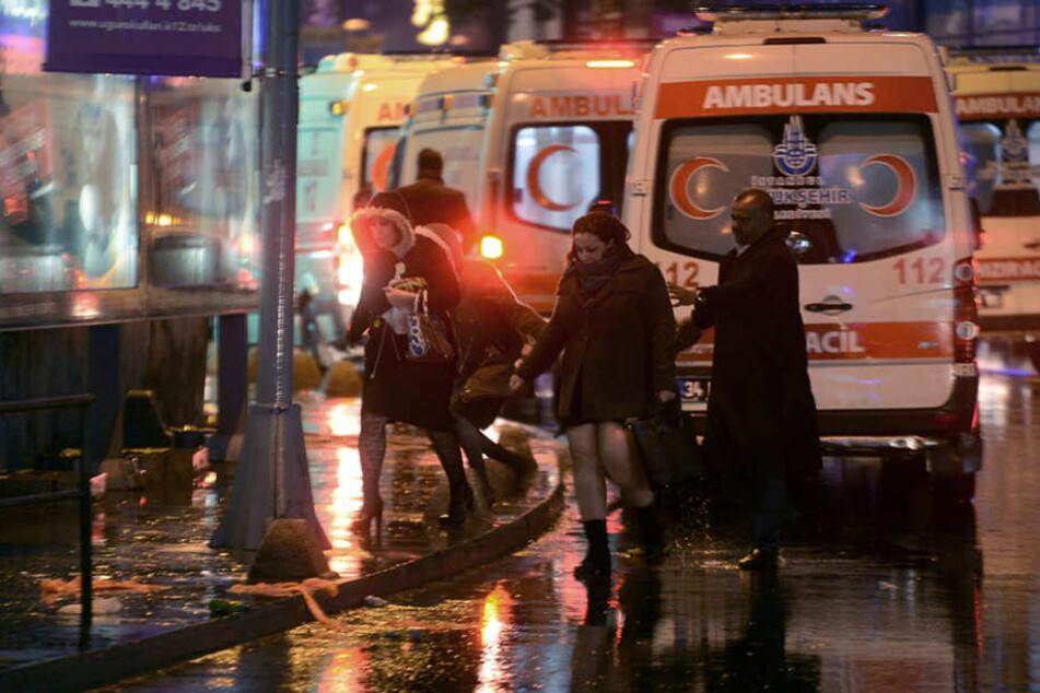 Blutiger Anschlag auf Istanbuler Nachtclub! Es sollen Dutzende Menschen ums Leben gekommen sein.