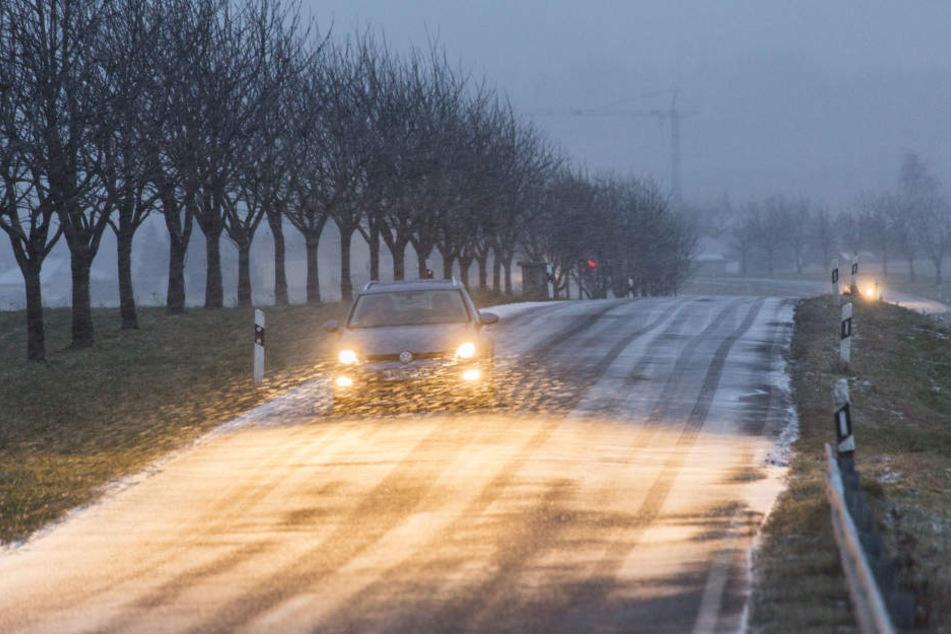 Ein stürmischer Wind sorgt für Schneeverwehungen.