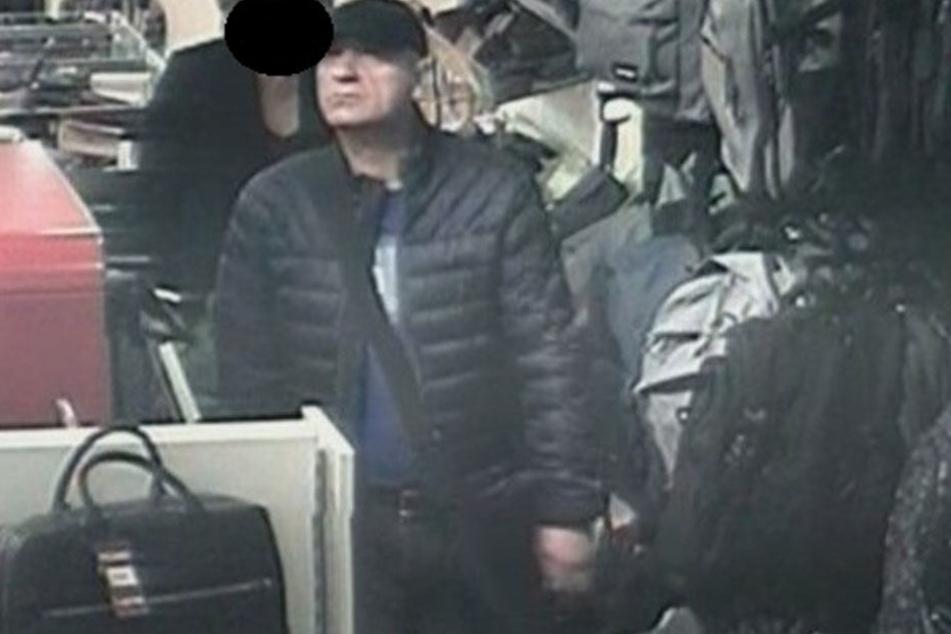 Bild 1 des Verdächtigen: Die Polizei sucht nach einem Räuber aus der Wilmersdorfer Straße.