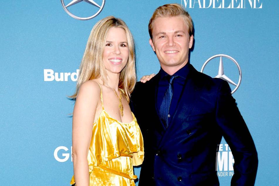 """Nico Rosberg (33) und Ehefrau Vivian Sibold (33) bei der Benefizveranstaltung """"Tribute to Bambi"""" im Kraftwerk Berlin."""