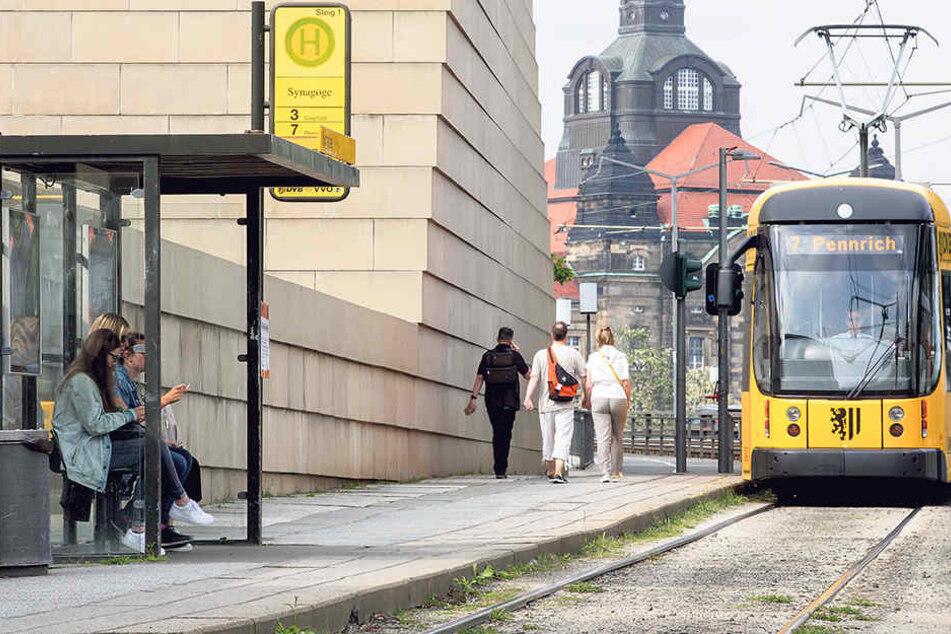 Wegen der Bauarbeiten am Rathenauplatz wird die Straßenbahn-Haltestelle Synagoge  zeitweise nicht bedient.