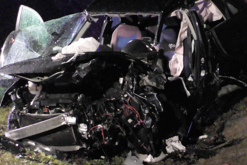 In Bayern ist es auf der Bundesstraße 2 zu einem schweren Verkehrsunfall gekommen.