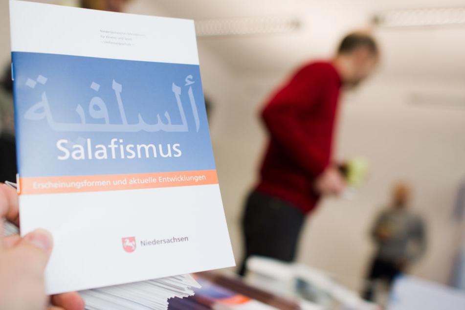 Ein Aussteigerprogramm kann Salafisten helfen.