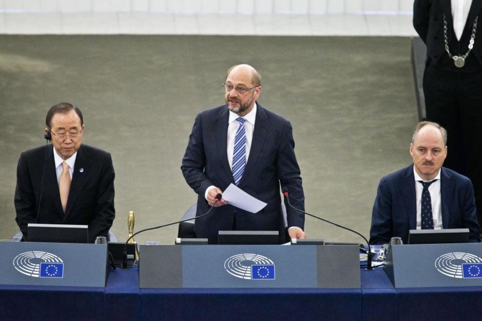 Würde Gabriel wie 2013 angesichts mäßiger Beliebtheitswerte zurückziehen, könnte Schulz' Stunde schlagen