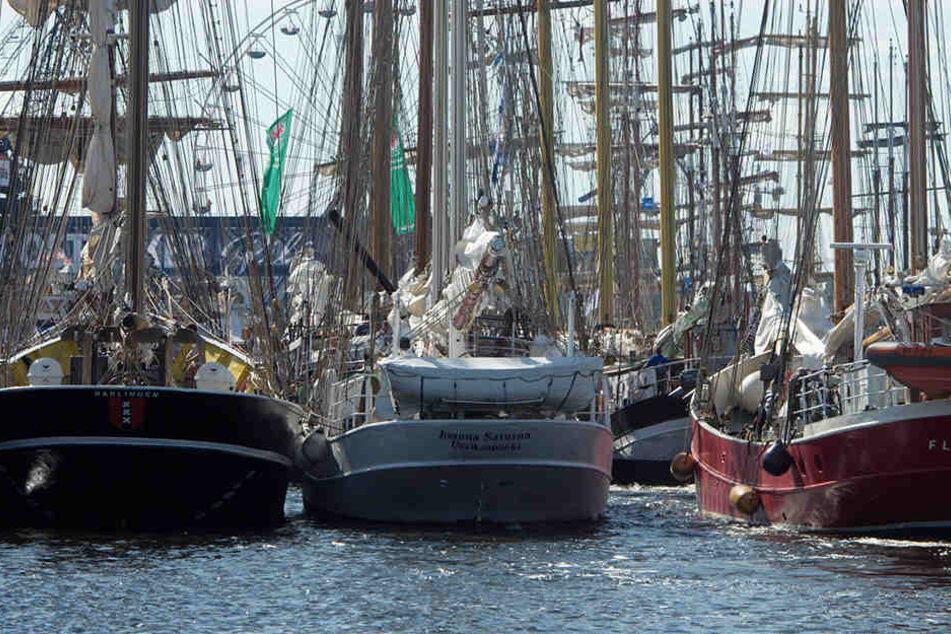 Auf Ostsee! Frachter kracht mit Eisbrecher zusammen: Drei Verletzte