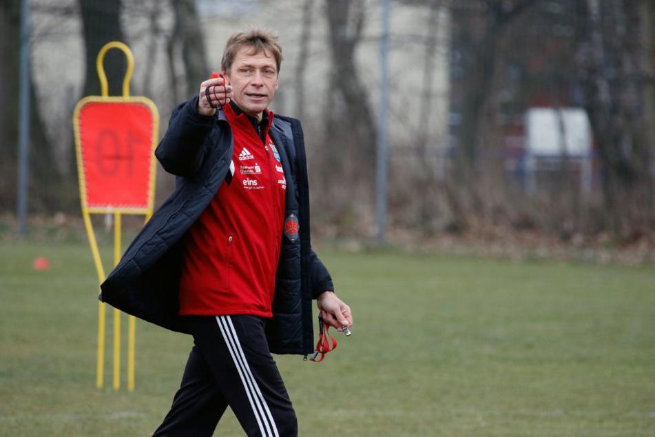 CFC-Trainer Sven Köhler bittet am Montag zum Trainingsauftakt.