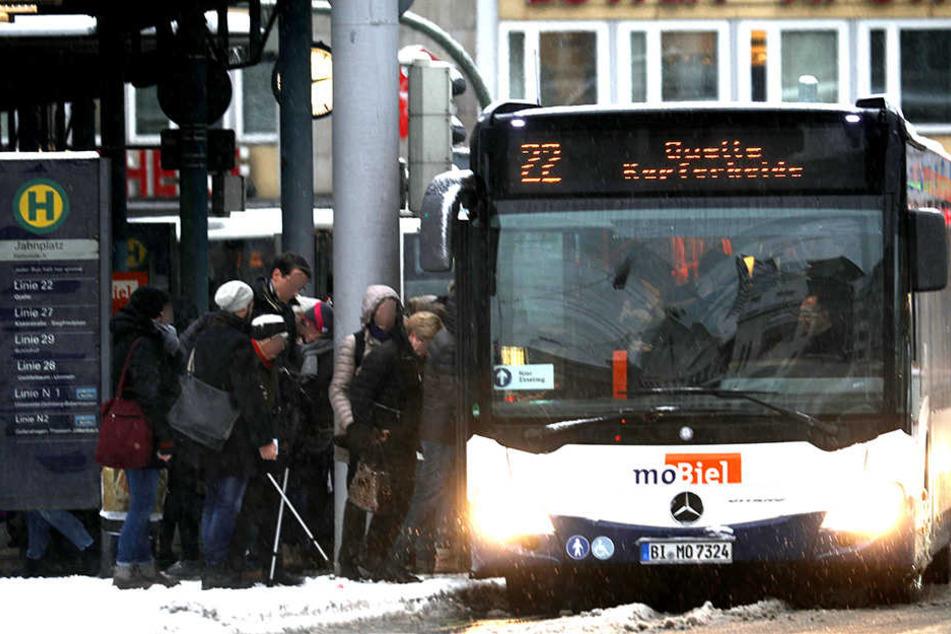Die Busse sind auch an Weihnachten und Silvester unterwegs.