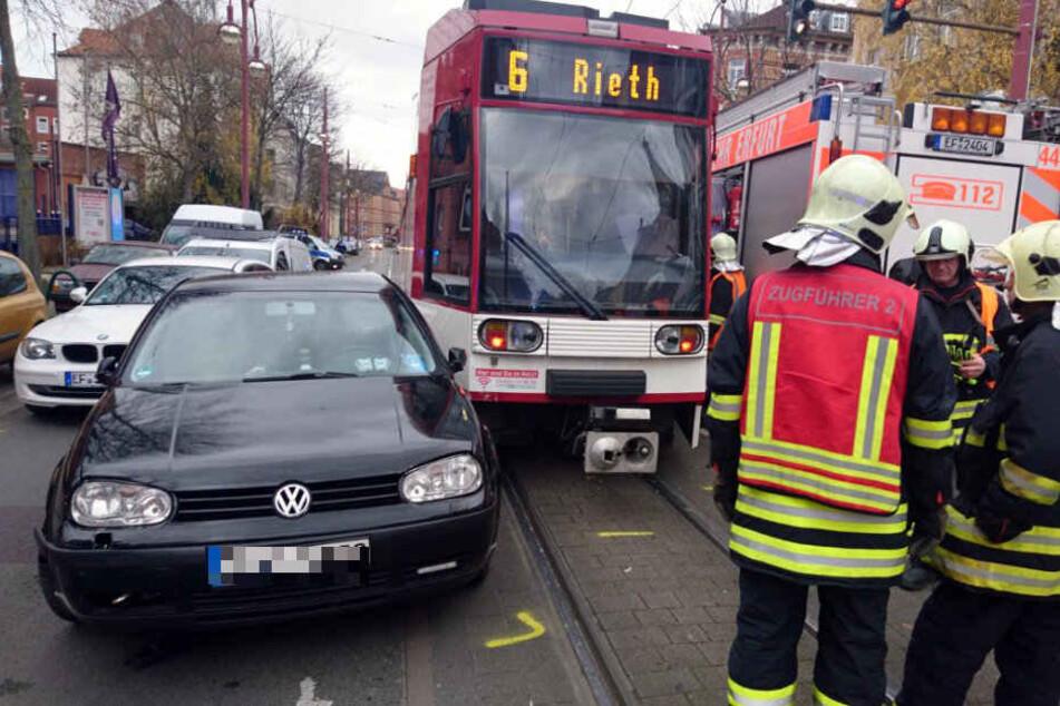 Heftiger Crash in Erfurt mit Straßenbahn