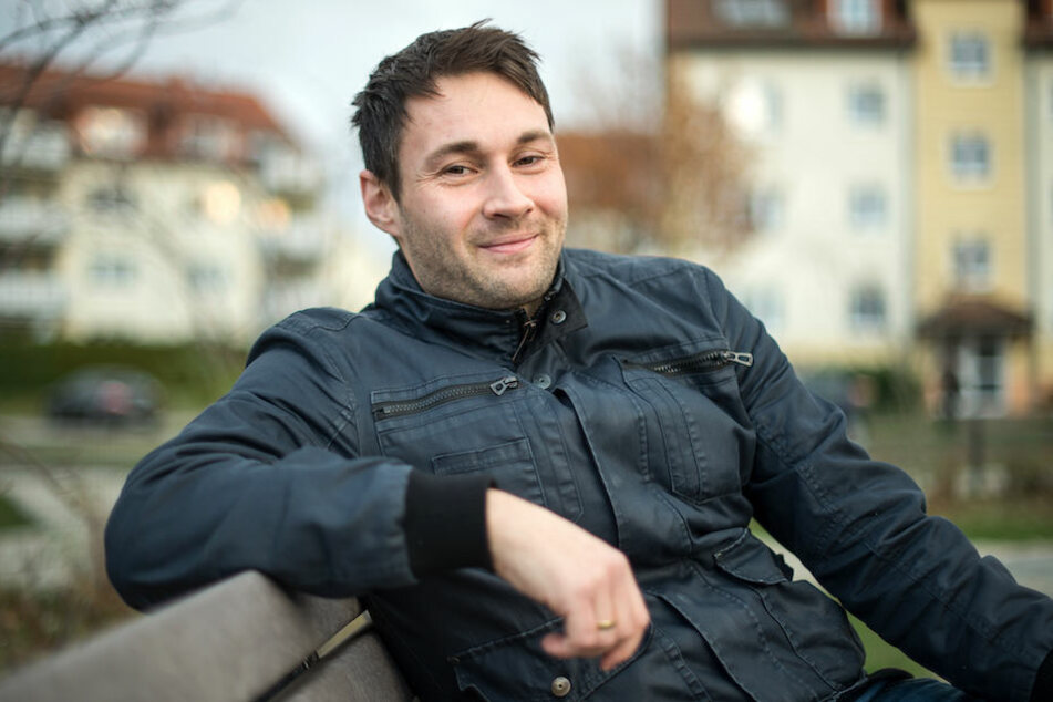 """Kommissar Sebastian Stipp (33) überzeugt die Jury bei """"The Voice of Germany"""" mit einem der ersten deutschsprachigen Hits von Sasha (46, """"Du fängst mich auf"""")."""