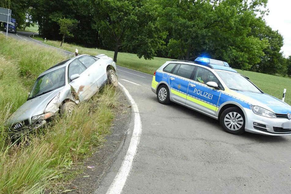 Ein Audifahrer war am Mittwochmorgen in einer Kurve von der Straße abgekommen.