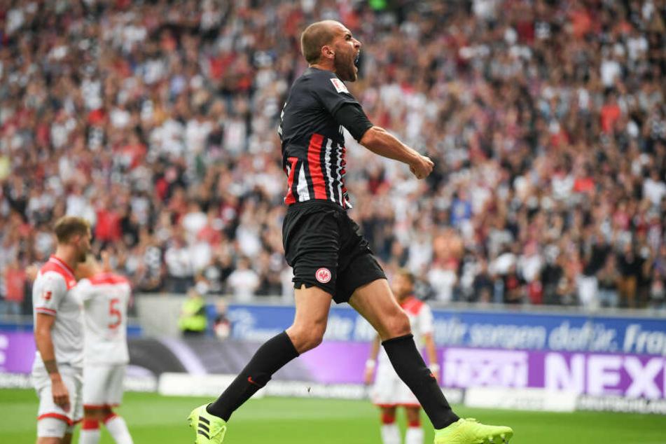 Eintracht-Einstand samt Torerfolg: Bas Dost bejubelt seinen Treffer zum zwischenzeitlichen 1:1.