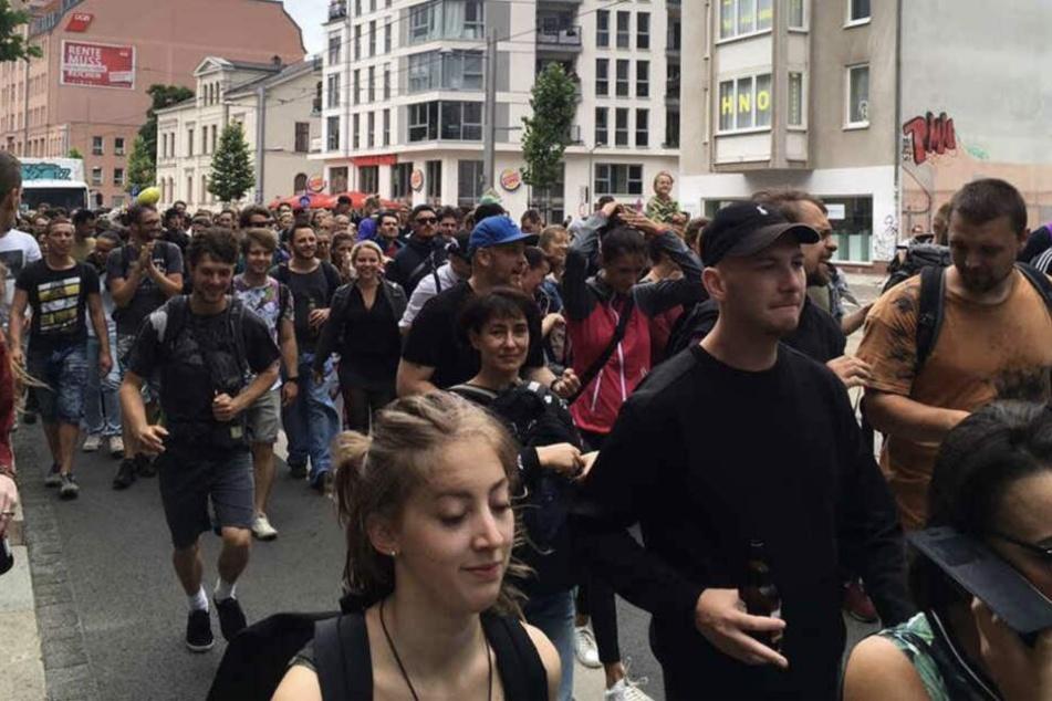 Hunderte Demo-Teilnehmer werden im Juli wieder durch die Stadt tanzen.