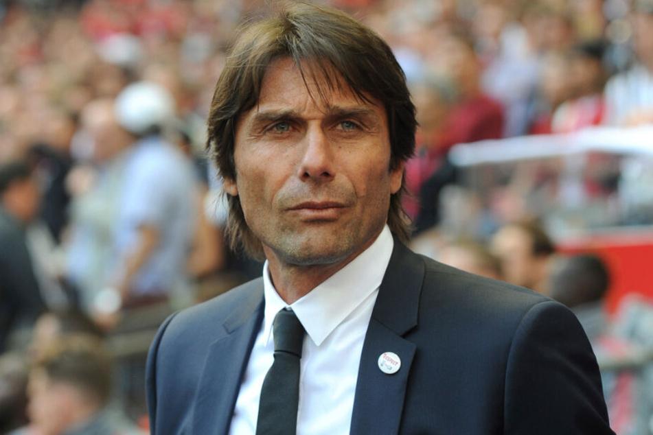 Antonio Conte wurde nach zwei Jahren und zwei Titeln beim FC Chelsea antlassen, nachdem er die Qualifikation für die Champions League verpasste.