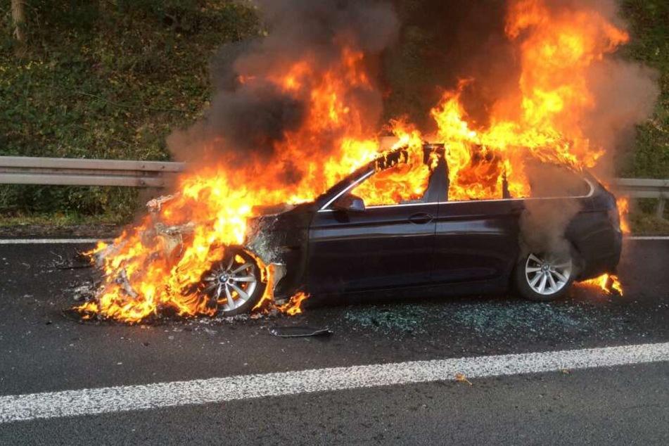 Autos mit Grillanzünder in Flammen gesetzt: Brandstifter muss in die Psychiatrie