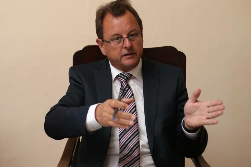 Frank Bannert, CDU-Landrat des Saalekreises in Sachsen-Anhalt, ist am Mittwoch verstorben.