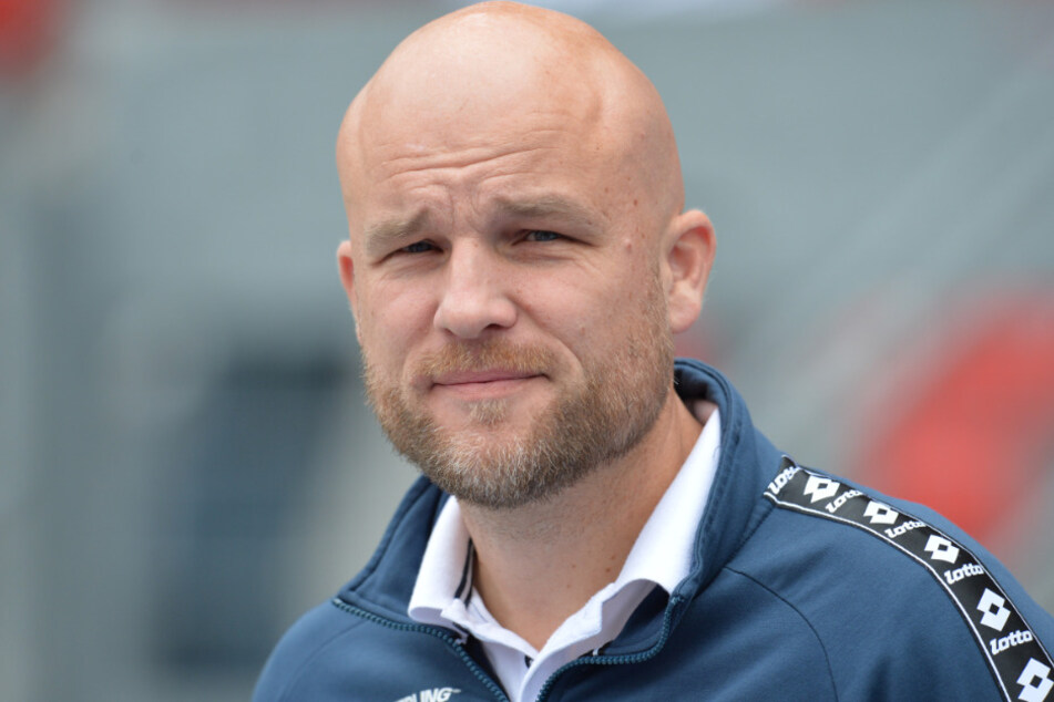 Auch Mainz-Sportdirektor Rouven Schröder (44) sind in der Kaderplanung aktuell die Hände gebunden.