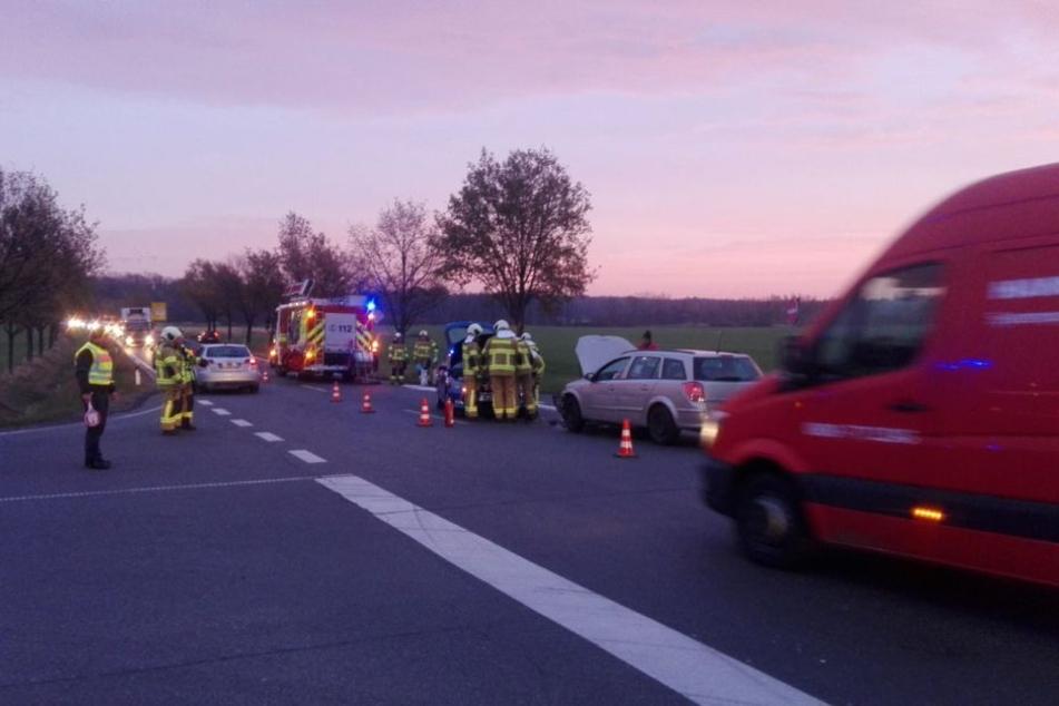 Auf der B107 zwischen Grimma und Trebsen geht am Freitagmorgen gar nichts mehr. Der Unfall führt zum Rückstau auf der A14.