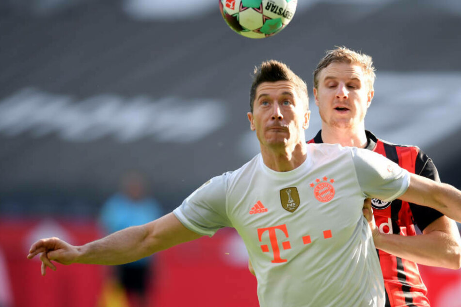Robert Lewandowski (l.) bewies auch gegen Eintracht Frankfurt seinen Torhunger.