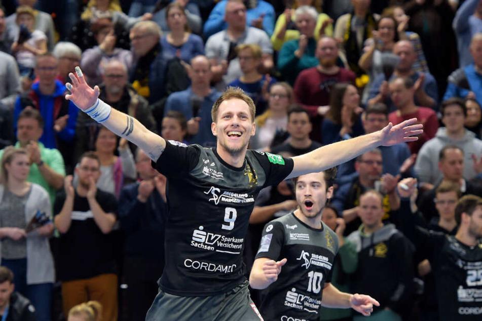 Julius Dierberg bejubelt einen seiner Treffer.