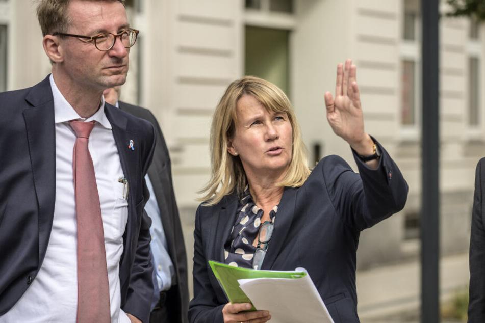 GGG-Chefin Simone Kalew (56, mit Innenminister Roland Wöller) investiert bis 2024 über 200 Millionen Euro.