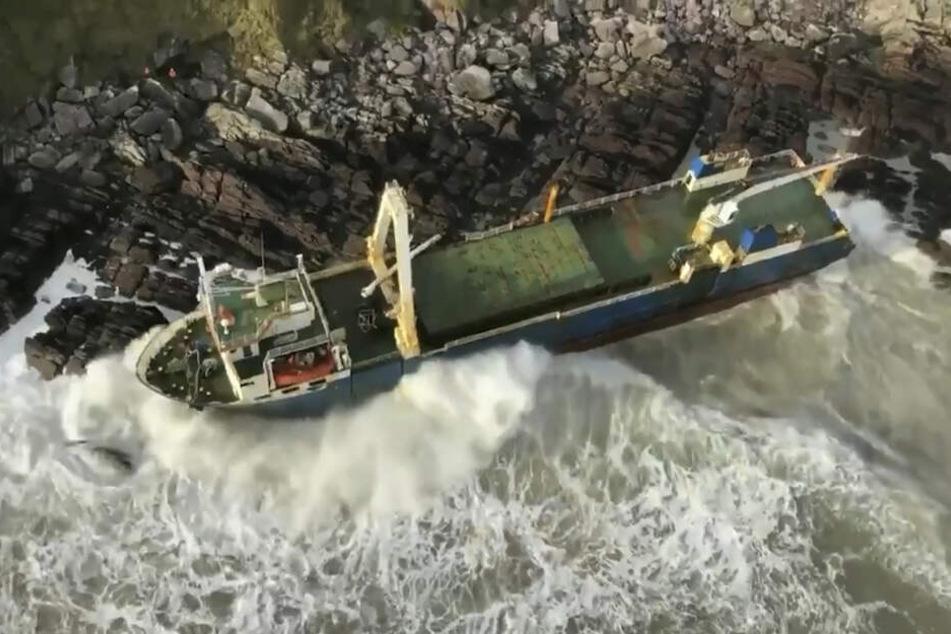 Jogger findet plötzlich 77 Meter langes Geisterschiff