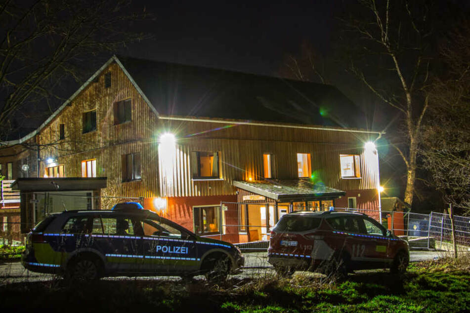Zu Weihnachten 2015 warf das Annaberger Quartett Molotow-Cocktails auf das geplante Asylheim in Schlettau-Dörfel.